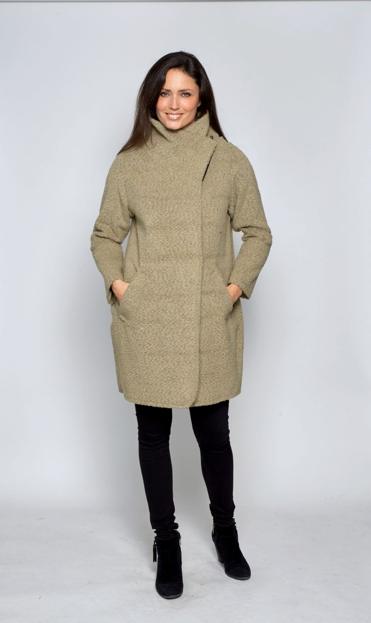 Cocoon coat with oversized notched lapels and slanted front pockets. kensie Women's Wool-Blend Cocoon Coat. by kensie. $ Marc New York by Andrew Marc Women's Plus-Size Wendy Wool-Blend Coat. by Marc New York by Andrew Marc. $ - $ $ $ 99 Prime. FREE Shipping on eligible orders.